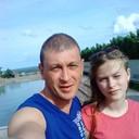 С красавицей дочкой